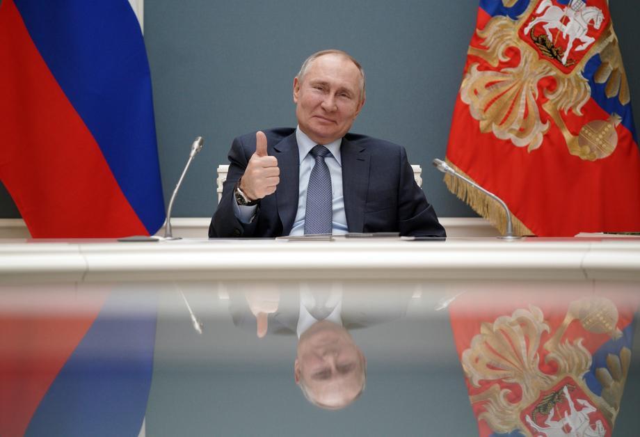 Імітація замість політики: навіщо Зеленському Путін