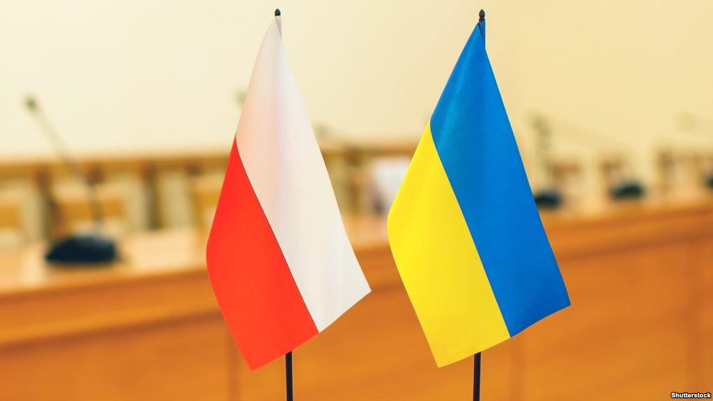 За рік до Польщі виїхали 100 000 українців -